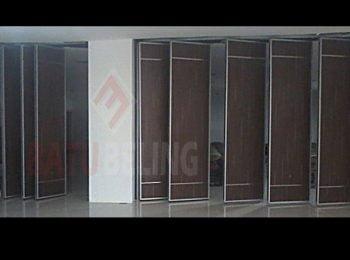 pintu lipat standar